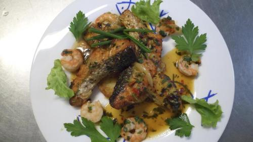 la-bella-vita-location-salle-athismons-essonne-traiteur-saumon